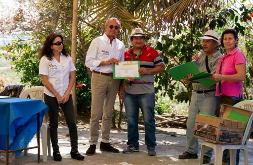 Entrega de certificados a beneficiarios que participaron a los talleres organizados en colaboración el MAG, CRIC y UPOCAM