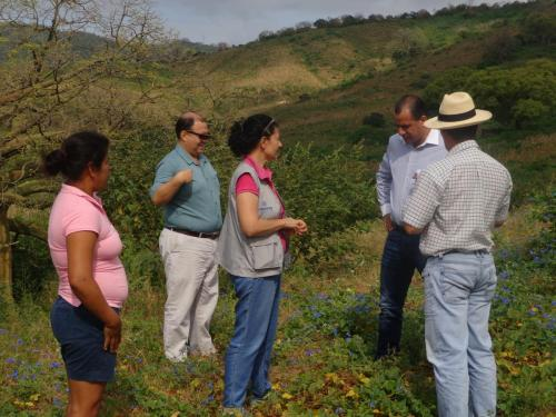 Visita de campo con MAG - Visita a micro reservorio
